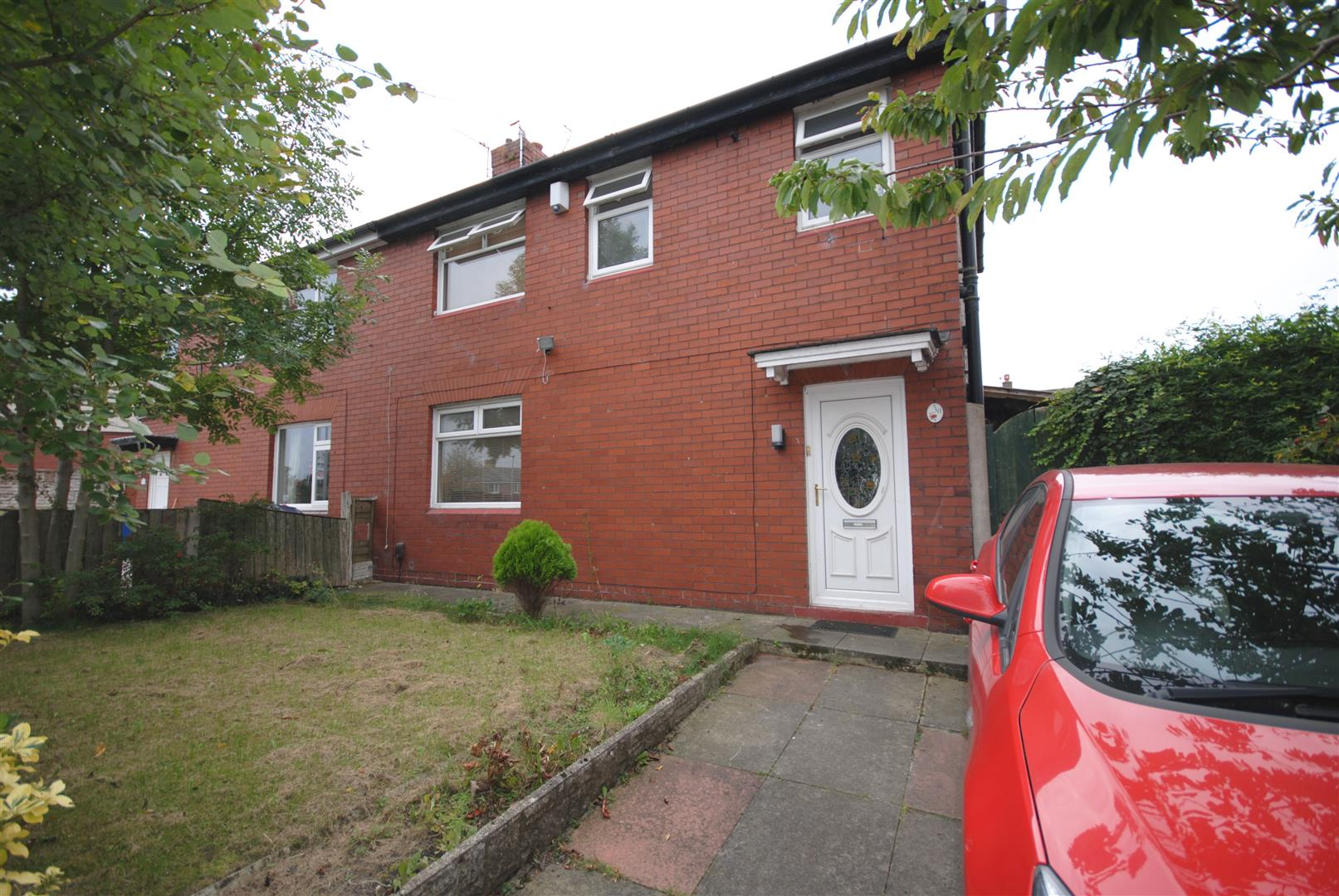 3 Bedrooms Semi Detached House for sale in Bluebell Avenue, Beech Hill. Wigan.